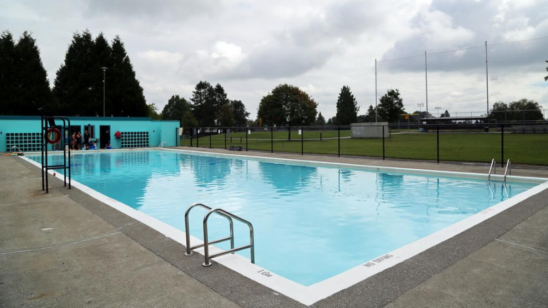 Holly Outdoor Pool
